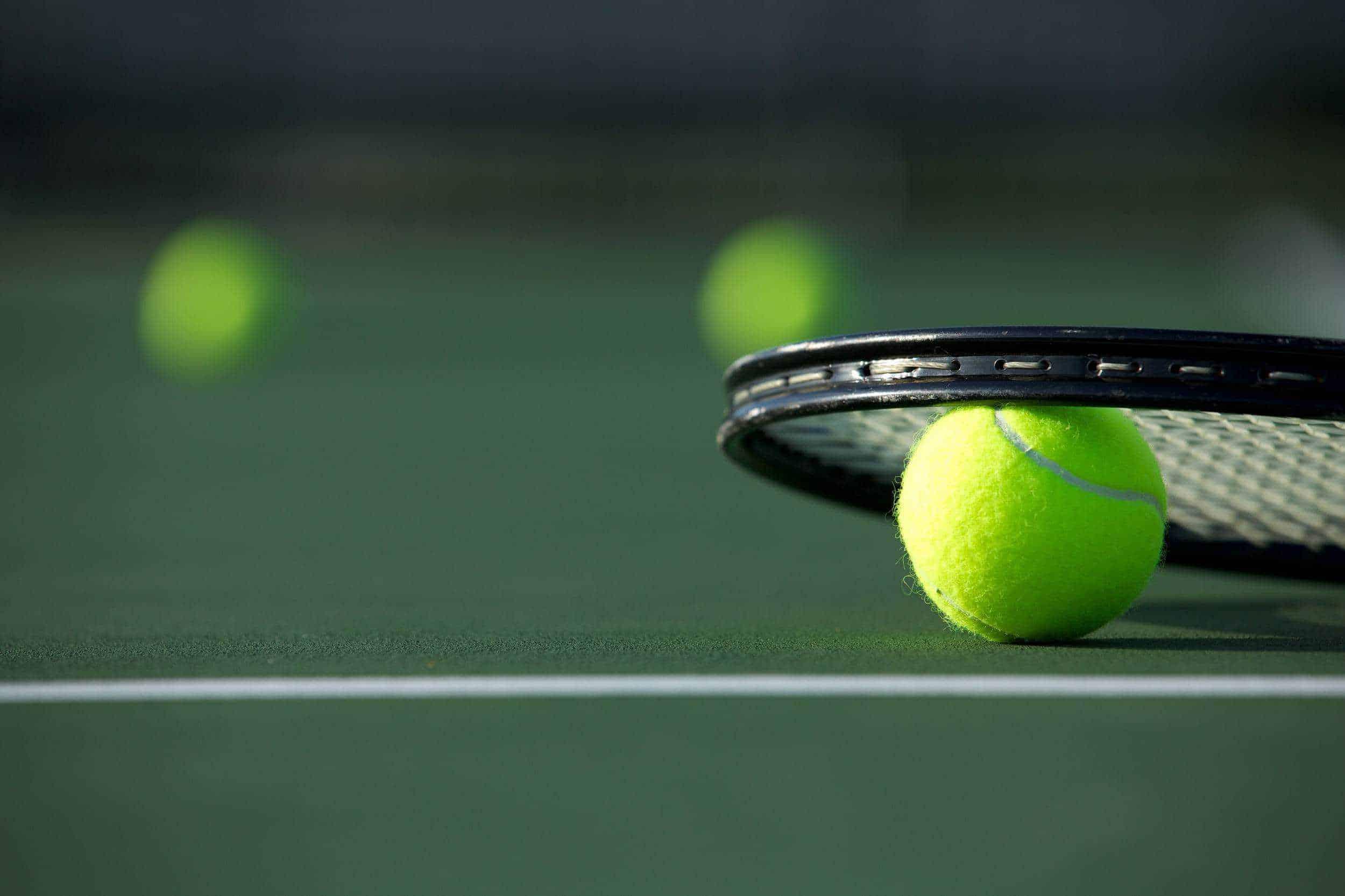 Best Tennis Racquet For A Female Beginner