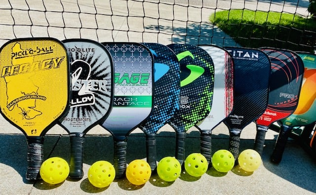 graphite vs composite pickleball paddles